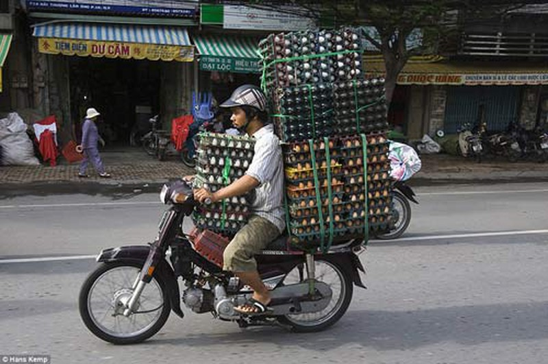How Vietnamese People Carry Things on Their Motorbikes